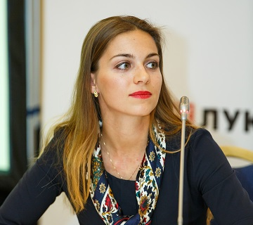 Natalia GMUCOVA. Analyst Europe & CIS, STRATAS ADVISORS (Бельгия)